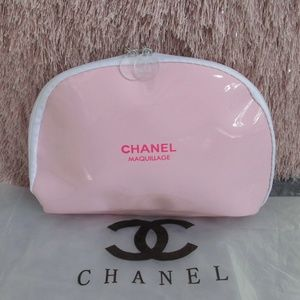NEW CHANEL Pink Patent Leather Makeup Pouch VIP